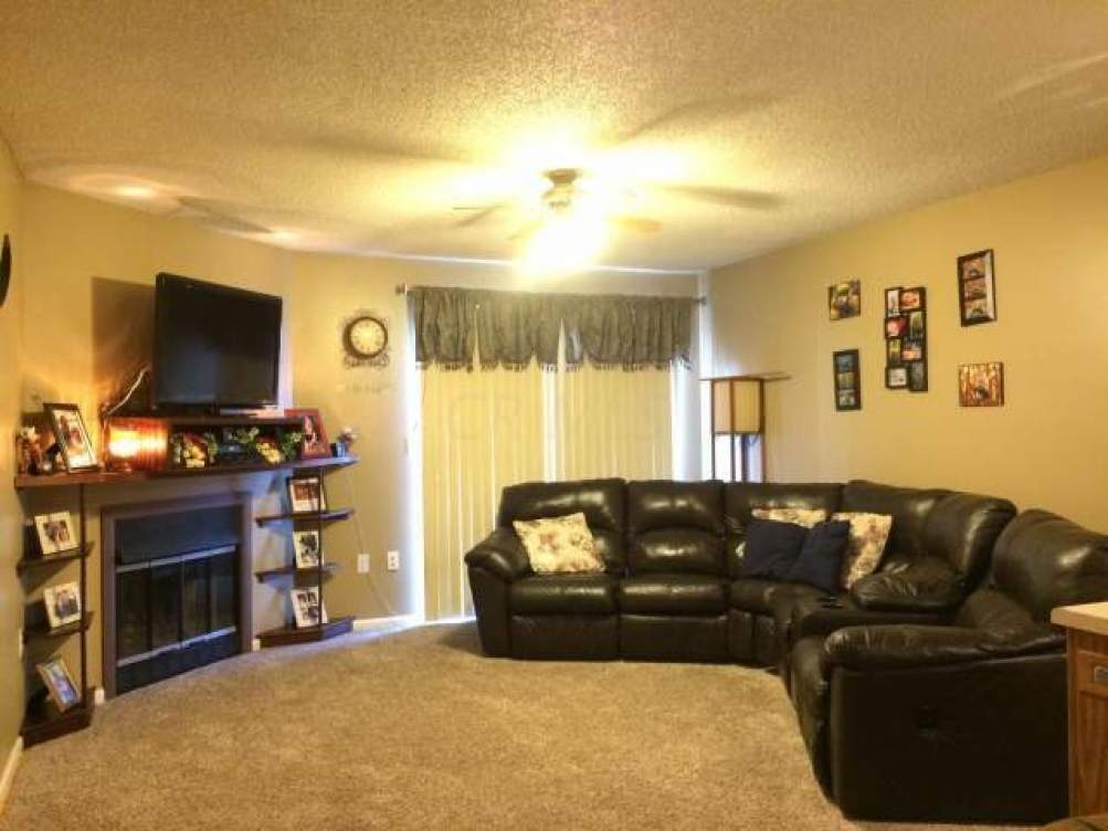 584 MOULL Street- Newark- Ohio 43055, 2 Bedrooms Bedrooms, ,2 BathroomsBathrooms,Residential,For Sale,MOULL,215010495
