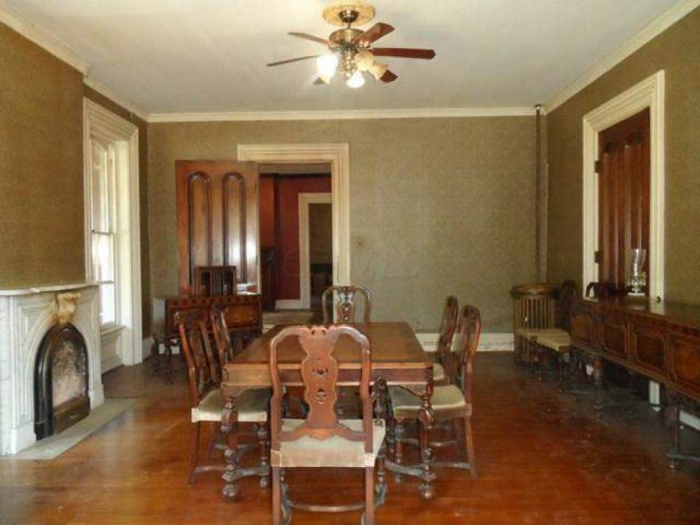 317 Court Street, Circleville, Ohio 43113, 4 Bedrooms Bedrooms, ,2 BathroomsBathrooms,Residential,For Sale,Court,215028700